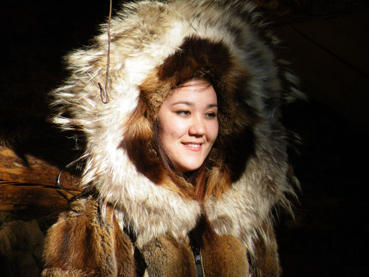 Emily looked beautiful in her traditional winter fur coat. Emily gave a wonderful talk explaining Athabascan history and culture. Chena Village Alaska Sept 2009