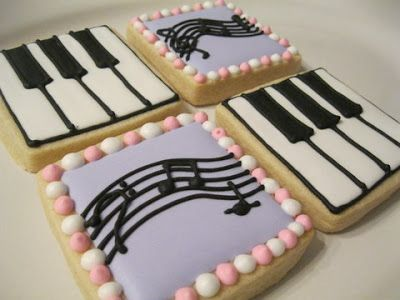 Hodgepodge from the Heart: Piano Cookie, Star Wars Cookies, Pillow Cake, and a Garden Tea Party Cake!