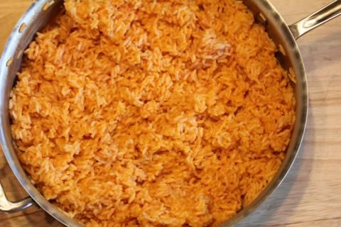 Cheesy Mexican Rice from LynnsKitchenAdventures.com- Simple Gluten Free Side Dish