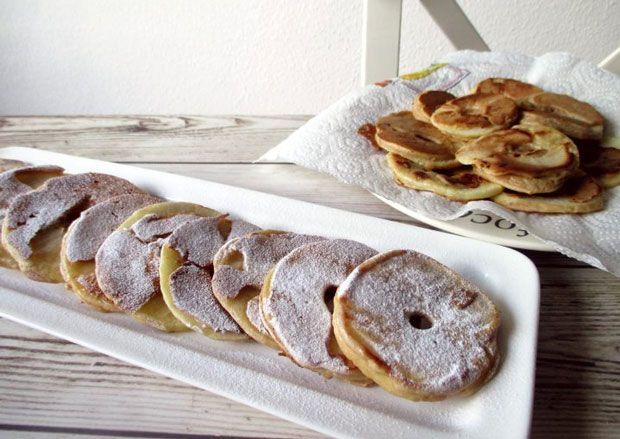 Crêpes aux pommes, une recette de crêpes légère à base de pommes, facile et simple à réaliser pour un dessert en famille.