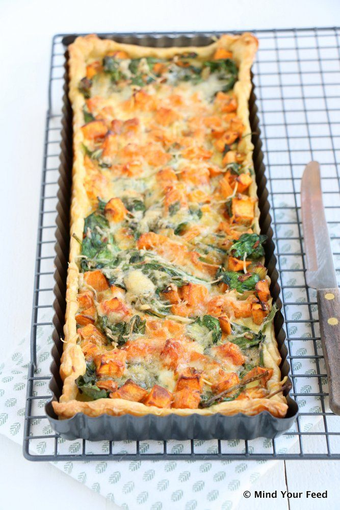 Zoete aardappel spinazie quiche - Mind Your Feed