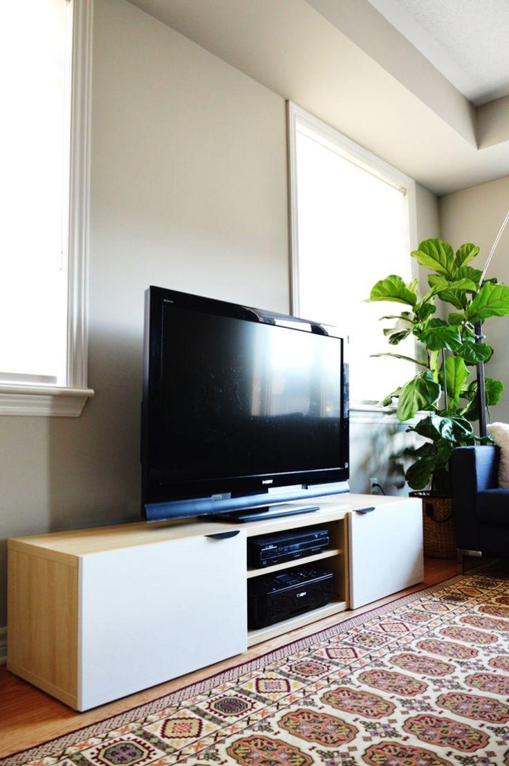 Simple tv konsole aus ikea besta regal mit zwei schranktüren