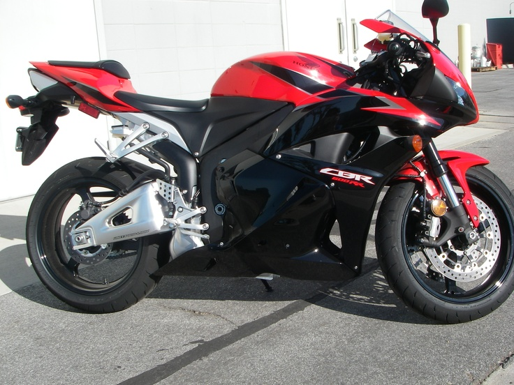 2011 CBR 600 RR w/ Low Miles For Sale - http://get.sm/sDDVAeN #wera Honda,600rr,cbr,honda,Low Miles