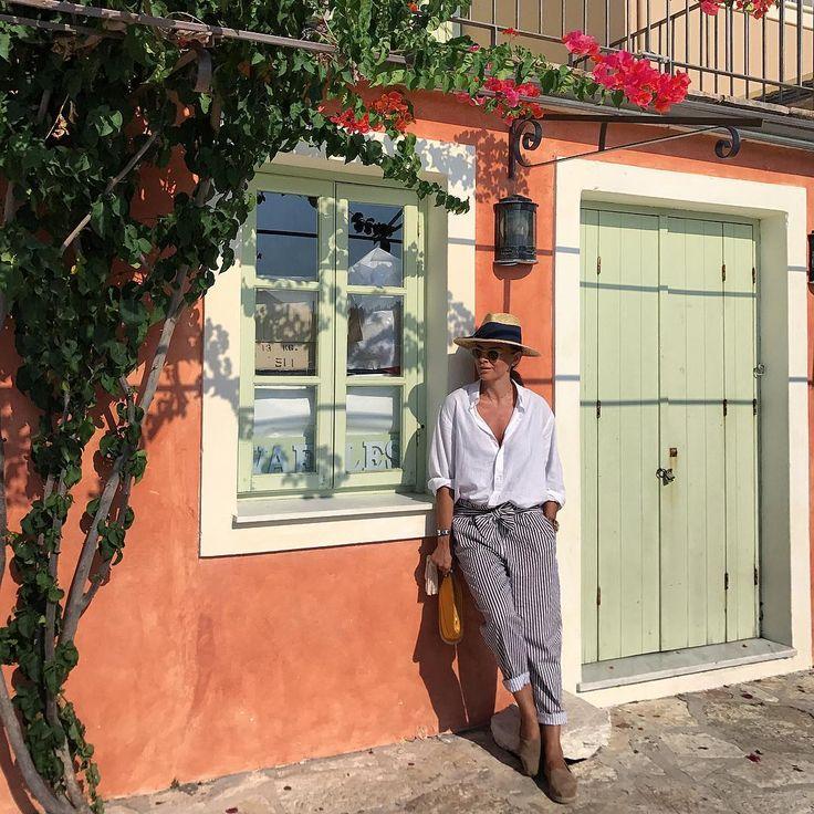 "3,844 curtidas, 14 comentários - RAMONA FILIP (@ramonfilip) no Instagram: ""When the islands are calling ...  @christofertorno  #beautifulgreece #soonagain #ramonafilip…"""