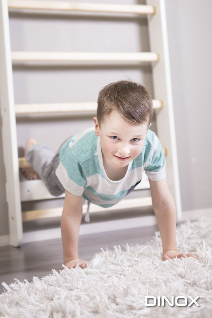 Dinoxin omaa laadukasta tuotantoa Dinox Easy puolapuut ovat kestävä ja vähän tilaa vievä ratkaisu jokaiseen kotiin, joka mahdollistaa monenlaiset jumppa- ja venyttelyliikkeet sekä toimii hyvänä kiipeilyvälineenä lapsille.
