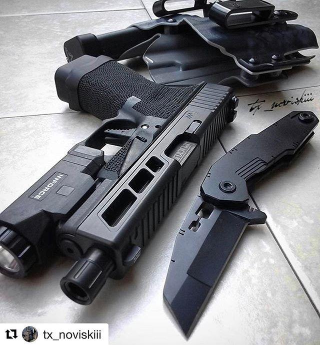 #Repost @tx_noviskiii with @repostapp ・・・ Simple Monday carry @jagerwerks @qtrmstr @inforce01 @blacklist_industries @trexarms @tarantactical @sir_beardsalot888 @deus_ex_machina_guns #glock #glockinc #glockfanatics #2a #glockteam #glock19 #edc #ccw #us #everydaycarry #knife #knives #blade #knivesdaily #qtrmstr #knifenut #trex #kydex #igmilitia #texas #pewpewlife #pewpew #sheepdog #America #usa #tactical #gear #carry