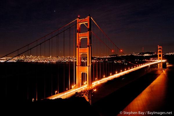 golden gate bridge nighttime view: Photo