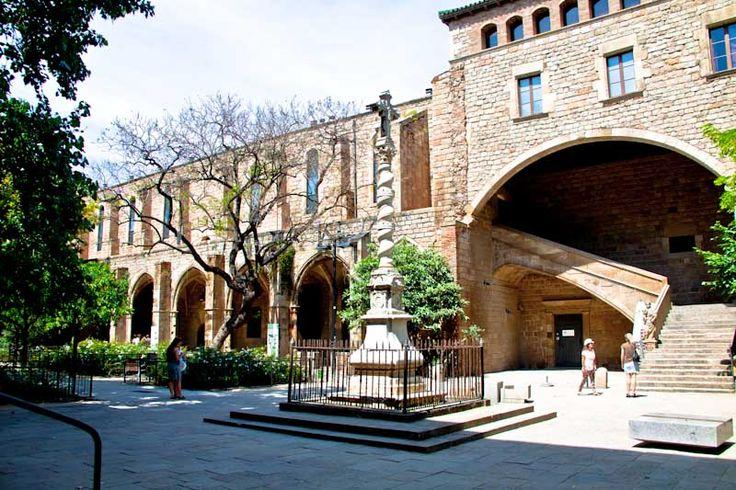 courtyard of the Biblioteca Catalunya - Barcelona