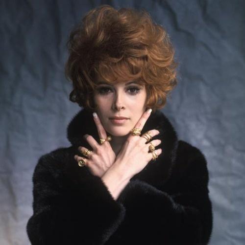 Jill St. John my favorite Bond girl (Diamonds are Forever)
