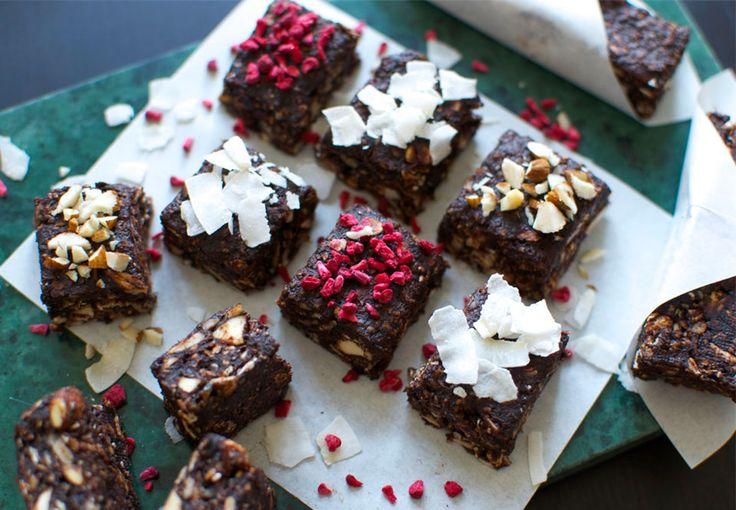 Disse små snacks er lækre mellem måltiderne eller som dessert, og så er de både nemme, sunde og smager helt fantastisk – perfect match
