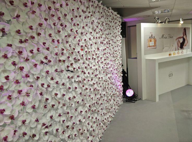Mur de fleurs pour DIOR