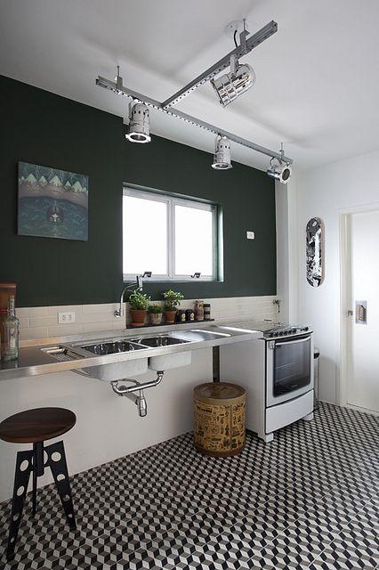 Apartamento by Arquitetura Paralela, via Flickr