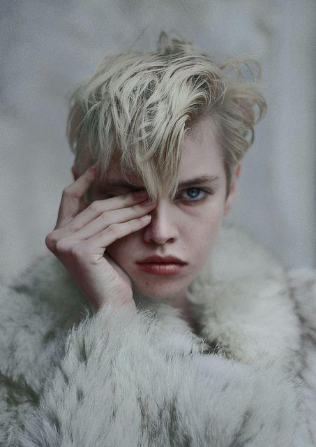 Princess die.  model: Stella Maxwell ( VIVA )  shoot : me    CLEMENTLOUIS2011  clementlouis.tumblr.com