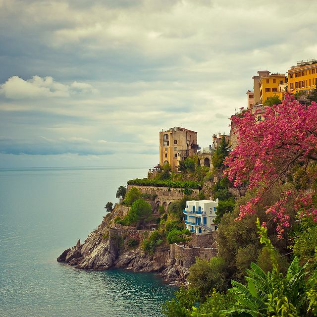 The Italian coastline is like no other. Both Cinque Terre and Amalfi have these stunning cliffs and gorgeous colors.