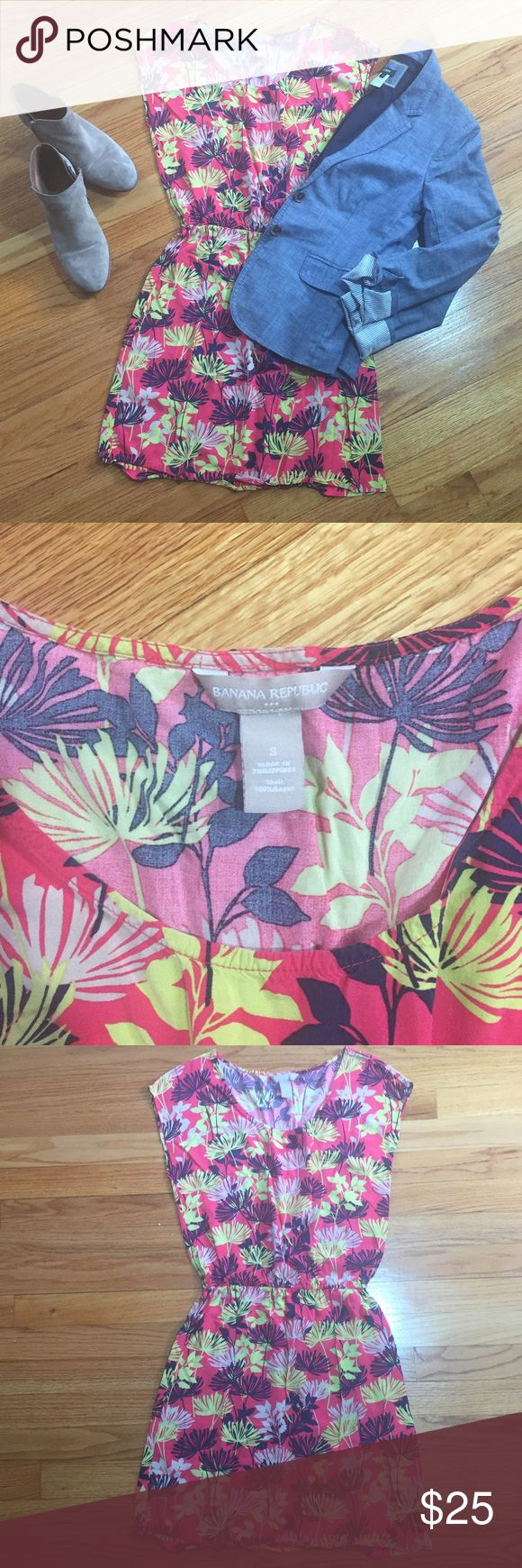 Banana Republic Gorg print Shift Dress Sz S Banana Republic factory Shift Dress in bright bold colors. Cinched in waist for the perfect amount of definition. Flawless condition!🌸🌸🌼 Banana Republic Dresses