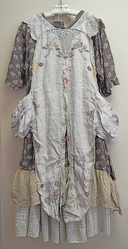 I love this vintage apron