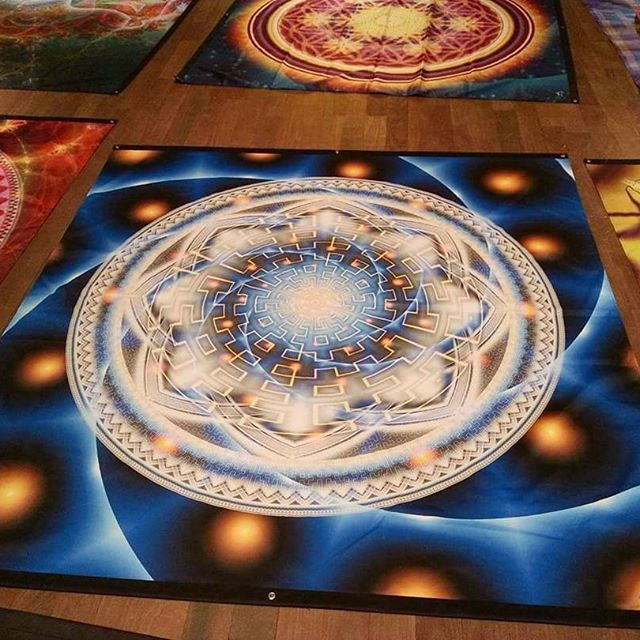 Some tapestry mandalas beauty for my friends in Canada http://www.pumayana.com