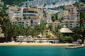 El hotel Park Royal Acapulco Todo Incluido se localiza en un fraccionamiento privado que brinda una inmejorable vista a la bahía de Acapulco. Este hotel Todo Incluido cuenta con tratamientos de spa, gimnasio, club de niños, deportes acuáticos no motorizados, así como una playa y piscina al aire libre. Los niños menores de 6 años son gratis todo el año.