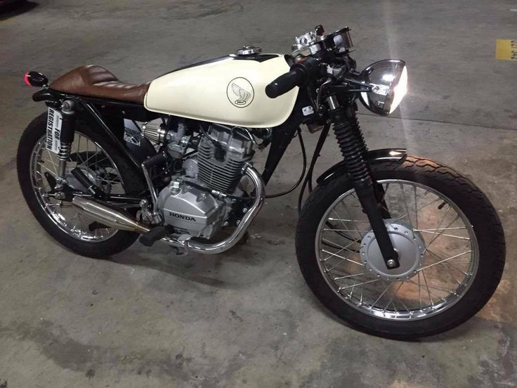 Cafe Racers Scramblers Trackers And Custom Motorcycles Cafe