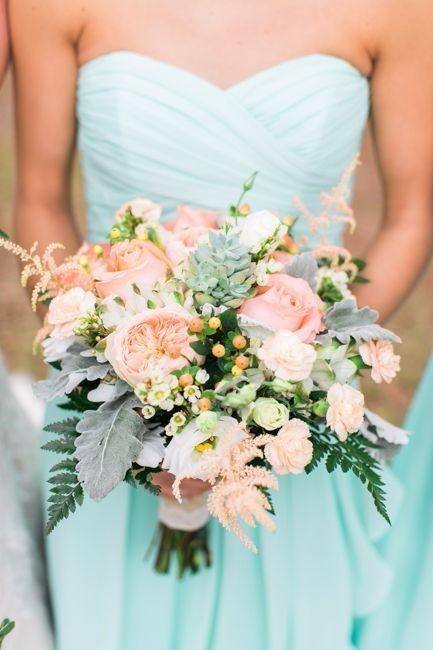 Mariage menthe : la robe des demoiselles d'honneur