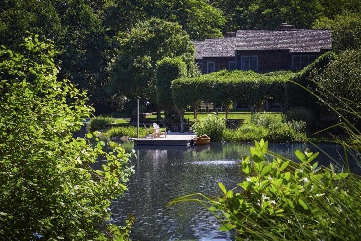 scott-mitchell-bridgehampton-landscape-garden-pond-dock-kayak--gardenista
