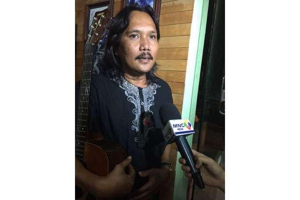 Terpukau HT 'Boyong' Badik Seniman Jalanan Situbondo ke Jakarta