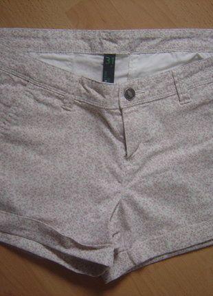 À vendre sur #vintedfrance ! http://www.vinted.fr/mode-femmes/short-courts/27482326-benetton-short-imprime-taille-44-neuf