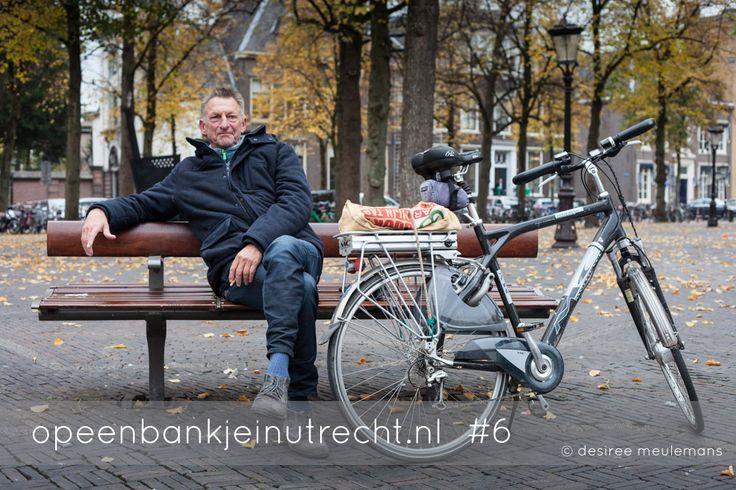 Frans van Jaarsveld uit Schalkwijk is even op dit bankje gaan zitten om herinneringen op te halen. Hier fietste hij vroeger toen hij op het Gregorius zat. En verder houdt hij zijdelings de bomen in de gaten. Hij heeft een boomverzorgingsbedrijf gehad en ook de bomen in Utrecht verzorgd dus hij weet wat er speelt in Utrecht 'op bomengebied'.