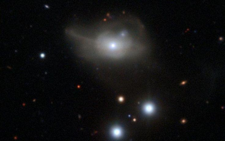 """Nossa galáxia se desloca a uma velocidade de mais de dois milhões de km/h, e um dos responsáveis por esse movimento seria um imenso vazio no espaço profundo que a """"empurra"""" - revela um estudo publicado na segunda-feira (30) na revista Nature Astronomy."""