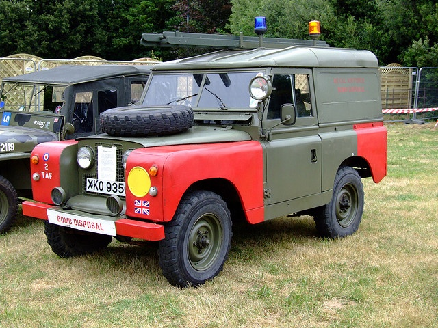 Rover for bomb disposal unit