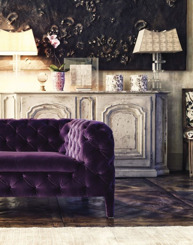 truly-purple tuxedo-tufted sofa, Tuscan/Mediterranean decor (ARKETIPO Windsor, Italy)