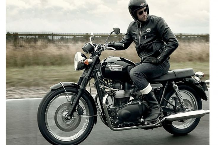 New TRIUMPH BONNEVILLE T100 Black at Hertfordshire Triumph in Hertfordshire