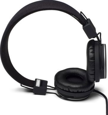 Urbanears Plattan headphones - Black Noir `One size Fabrics : Leather, Plastic Details : foldable, Semi-open, Supra-aural, Microphone and remote control Color : Black Base 3,5 mm mini stereo jack on an earpiece with possibility to plug a second headset http://www.comparestoreprices.co.uk/january-2017-7/urbanears-plattan-headphones--black-noir-one-size.asp