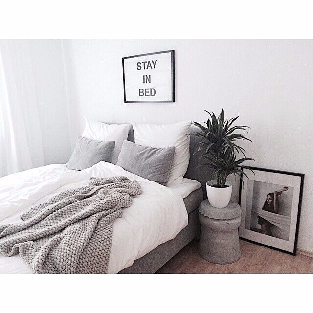 We always love what you guys do with JUNIQE artwork. Room by @steffi.bru