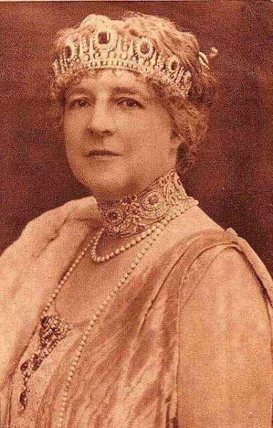 Sua Maestà Fedelissima Regina Consorte Amalia del Portogallo e dell'Algarve, Duchessa di Braganza