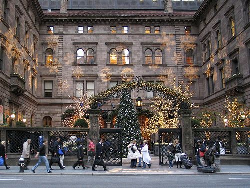 Gossip Girl Locations in New York City - The Ultimate Guide for GG Fans - WORLD OF WANDERLUST