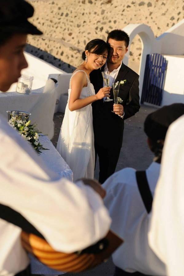#lovweddings #destinationweddings #santorini #santorini #caldera www.santoriniweddingsbylov.com
