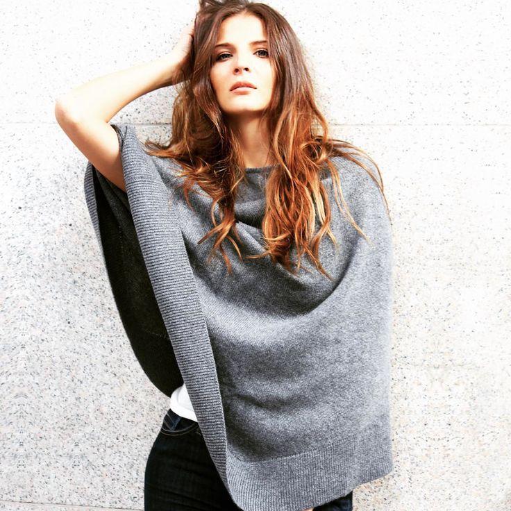 Fall inspiration. Beuatiful hand knit Cashmere poncho in grey melange