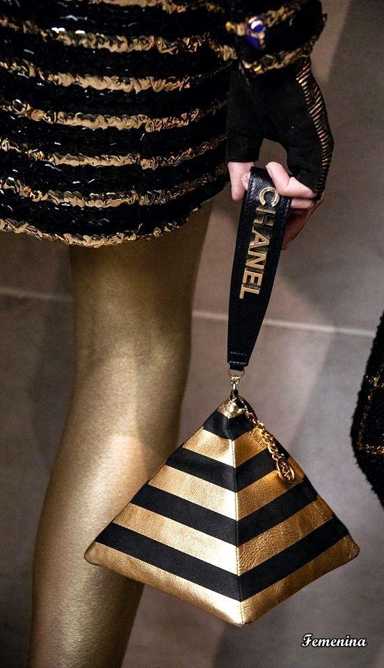 8b31f340f604 Chanel Métiers d'Art Pre-Fall 2019 #bag   Fashion in 2019   Chanel ...