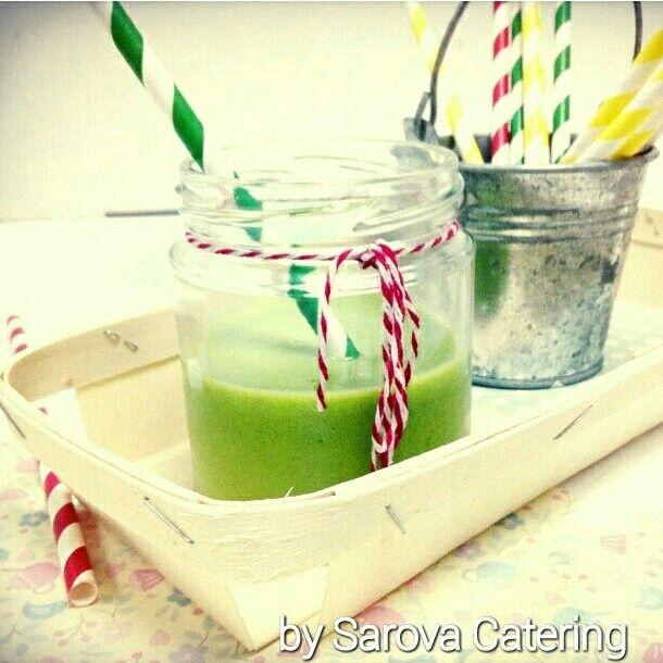 Sopa de guisantes y menta en tarro de mermelada By Sarova Catering #gastronomia #food #foodies