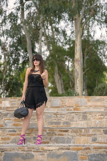 ASfashionlovers: Black with little colour