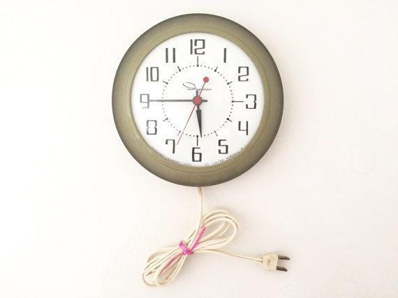Ingraham Clock  Wall Clock Vintage Kitchen by GreySquirrelAntiques
