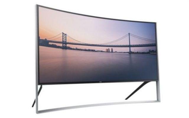 Il nuovo TV Curvo Ultra HD da 120.000 euro di Samsung