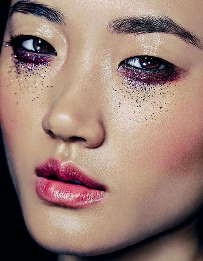 Bookmark these holiday beauty hacks to make sure your makeup is party ready all season long.