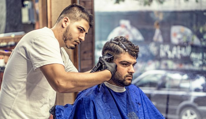 After a thorough process, we present you the best cordless hair clippers for men. From budget picks to premium hair cutters or professional ones, here's all you need to know. Pick your favorite!