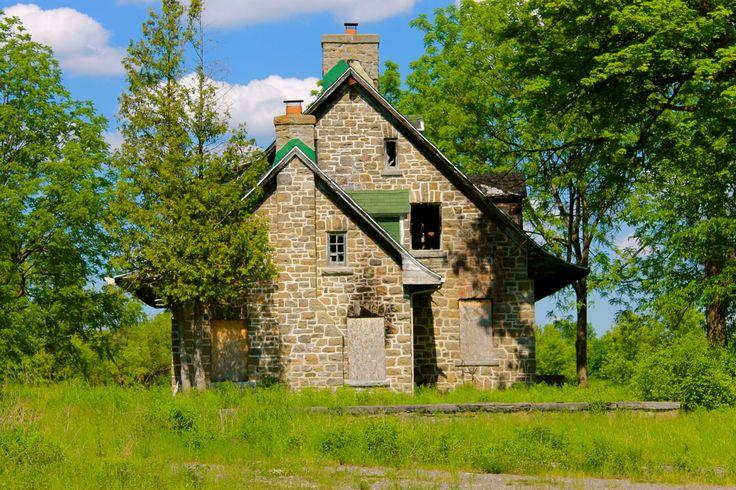 Side shot of the abandon house I photographed in Kirkland. So beautiful!