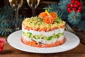 Новогодний салат с лососем и авокадо - Рецепты. Кулинарные рецепты блюд с фото - рецепты салатов, первые и вторые блюда, рецепты выпечки, десерты и закуски - IVONA - bigmir)net - IVONA bigmir)net