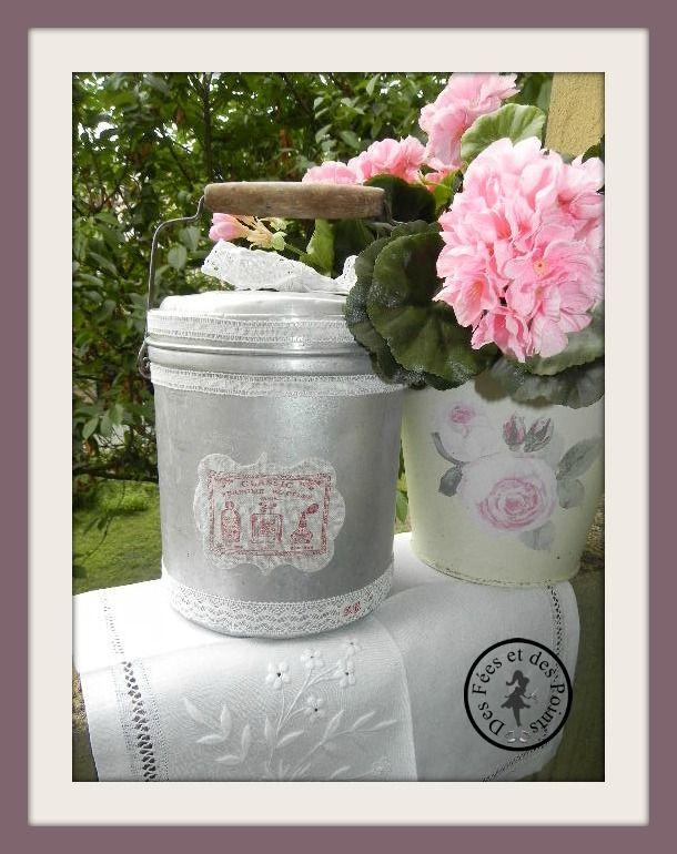 Seau à lait customisée  en petite poubelle de salle de bain Ancient milk pot customized in a small bath room trash can
