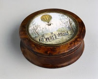 18th C. Snuffbox with image of first hot air balloon flight.: