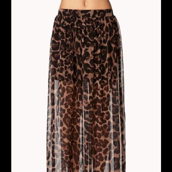 New XS leopard maxi skirt New with tag condition. Size xsmall. Chiffon leopard print. Half lining. Skirts Maxi